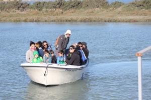 Barca Salarte llegando embarcadero